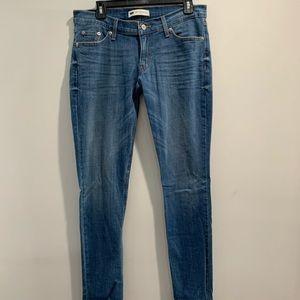 Levi jeans 524 too superlow